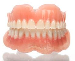 上下の総入れ歯